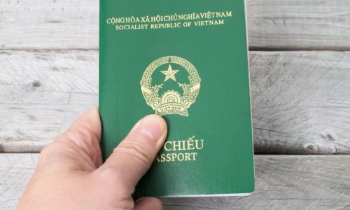 Không cần nộp Giấy khai sinh khi làm hộ chiếu cho trẻ dưới 14 tuổi