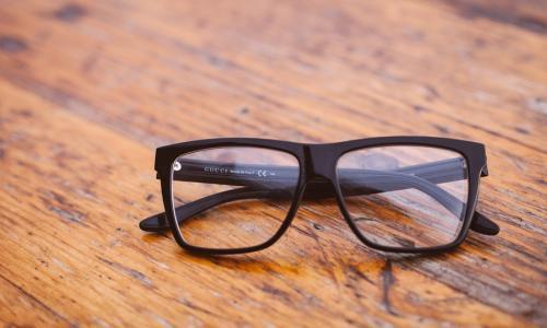 Giúp bạn chọn và mua kính đeo mắt phù hợp