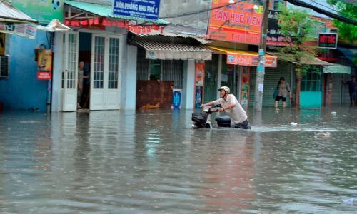 Xử lý nước ăn, uống trong vùng ngập lụt