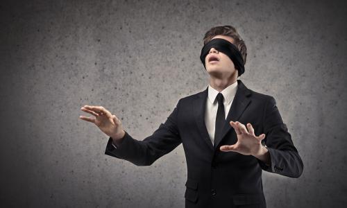 Lại có thêm hai trường hợp bị cò mổ vào mắt, nguy cơ mù vĩnh viễn