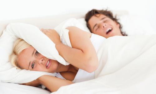 3 cách đơn giản cho người ngủ ngáy