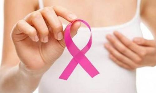 Hãi hùng ngực lở loét, chảy dịch vì đắp lá chữa ung thư vú suốt 3 năm