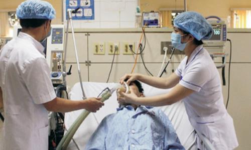 Mâu thuẫn cá nhân, nam thanh niên bị đâm thấu tim suýt chết