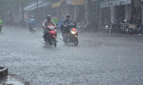 Siêu bão số 6 giật cấp 17 sắp đổ bộ vào Trung Quốc; hoàn lưu bão gây mưa lớn ở Việt Nam