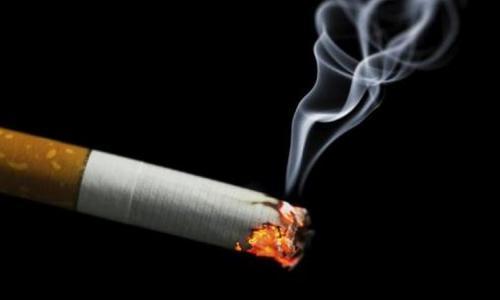 Australia: 1 bao thuốc lá chịu thuế