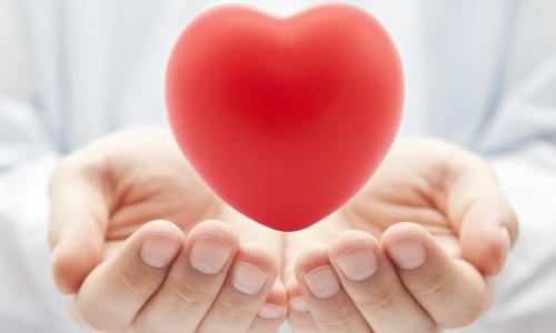 Bất ngờ phát hiện bé 22 ngày tuổi mắc tim bẩm sinh nguy kịch khi khám miễn phí, phải cấp cứu gấp