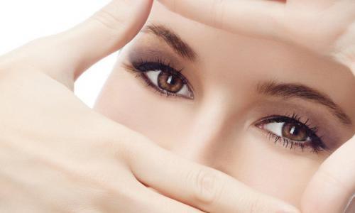 Thời đại công nghệ & sức khỏe đôi mắt