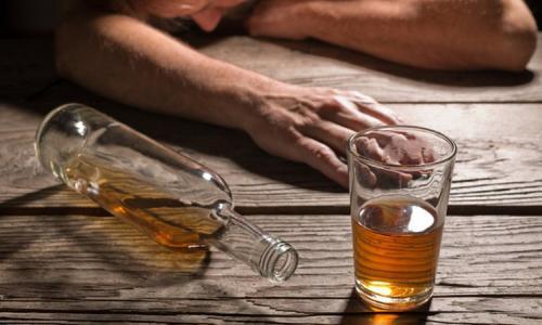 23 người chết vì ngộ độc rượu ở Iran
