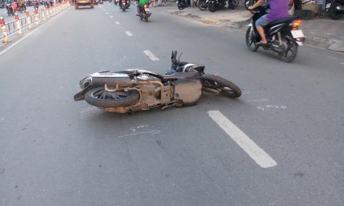 Vụ tai nạn giữa tàu hỏa- ô tô ở Hà Nội: Cấp cứu khẩn trương 5 người đa chấn thương