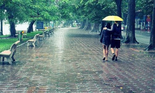 Thời tiết ngày 4/10: Miền Bắc se lạnh về đêm, Trung Bộ mưa lớn tiếp diễn nguy cơ lũ quét