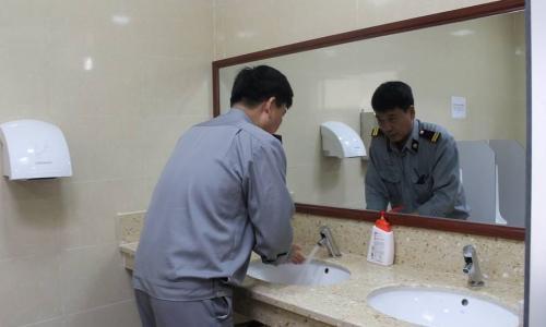 Nhà vệ sinh bệnh viện: Rất cần được quan tâm, vì sao?
