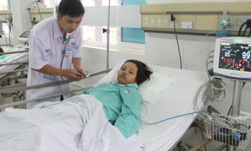 Bệnh nhân bị gầu máy xúc ép vỡ gan, vỡ ruột non hồi sinh ngoạn mục