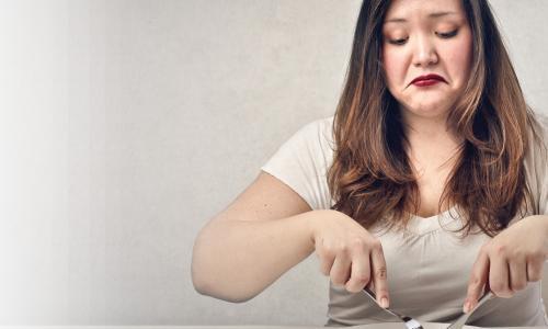 Từ bỏ những thói quen vào ban đêm có thể ngăn ngừa việc tăng cân