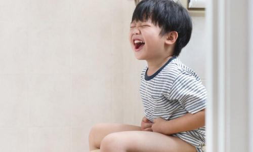Xử lý chứng táo bón ở trẻ