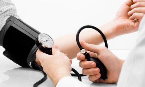 Có nên dừng uống thuốc huyết áp?