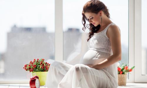 Cách phòng cúm cho mẹ bầu lúc giao mùa