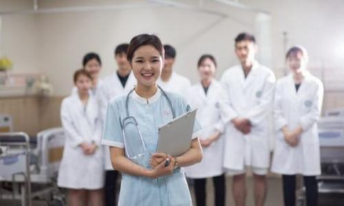 Gặp gỡ tân thủ khoa ngành y dược: Những bài học từ các thầy không có trong giáo trình