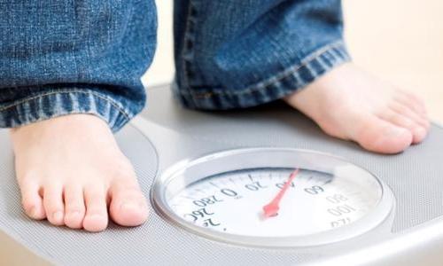"""Duy trì cân nặng ở """"mức nên có"""" với người trưởng thành"""