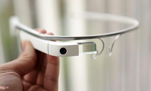 Mắt kính công nghệ cao
