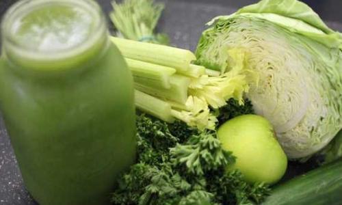 Lợi ích sức khỏe của nước ép cải bắp với chanh
