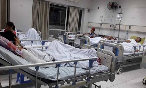 Bệnh nhân bị cưa máy cắt ngang bụng và đùi sắp xuất viện